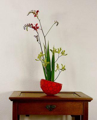 Mosaik und Ikebana rot