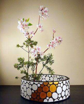 Mosaik und Ikebana kleine Blumen