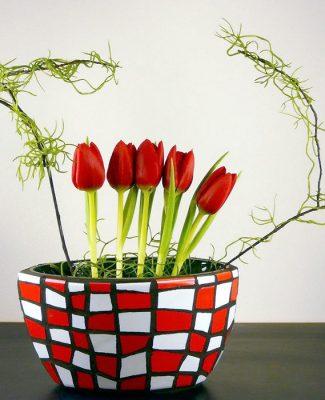 Mosaik und Ikebana Tulpen